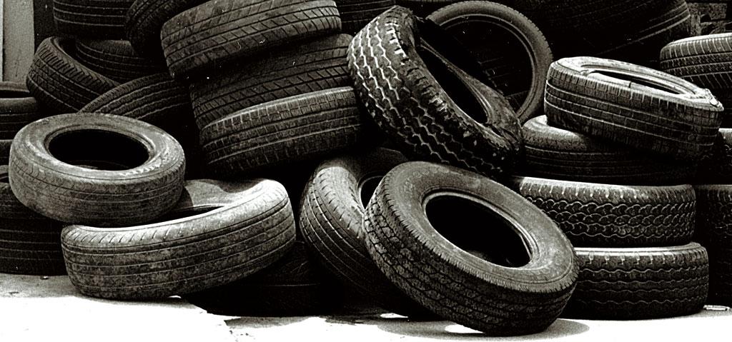 مناشدة وتحذير لأصحاب محلات بناشر السيارات والاطارات المستعملة .