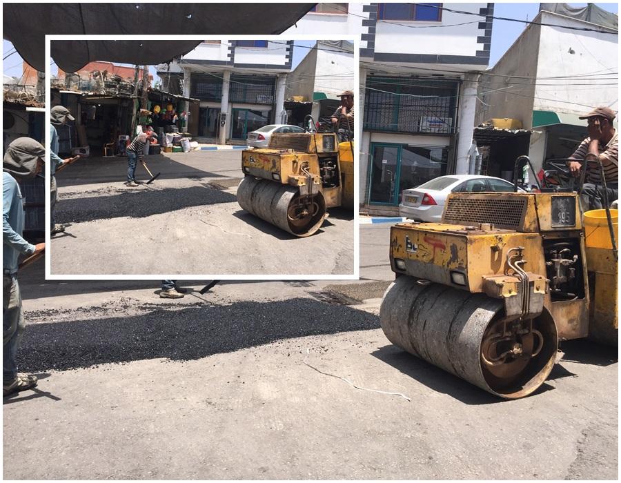 في إطار صيانة الطرق تم اليوم تعبيد بعض الاماكن وترقيع الطرق .