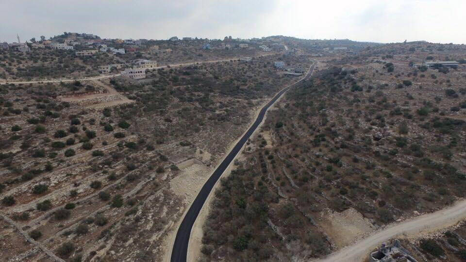 الانتهاء من مشروع اعادة تأهيل الطريق الرابط بلدة برطعة وخربة برطعة .