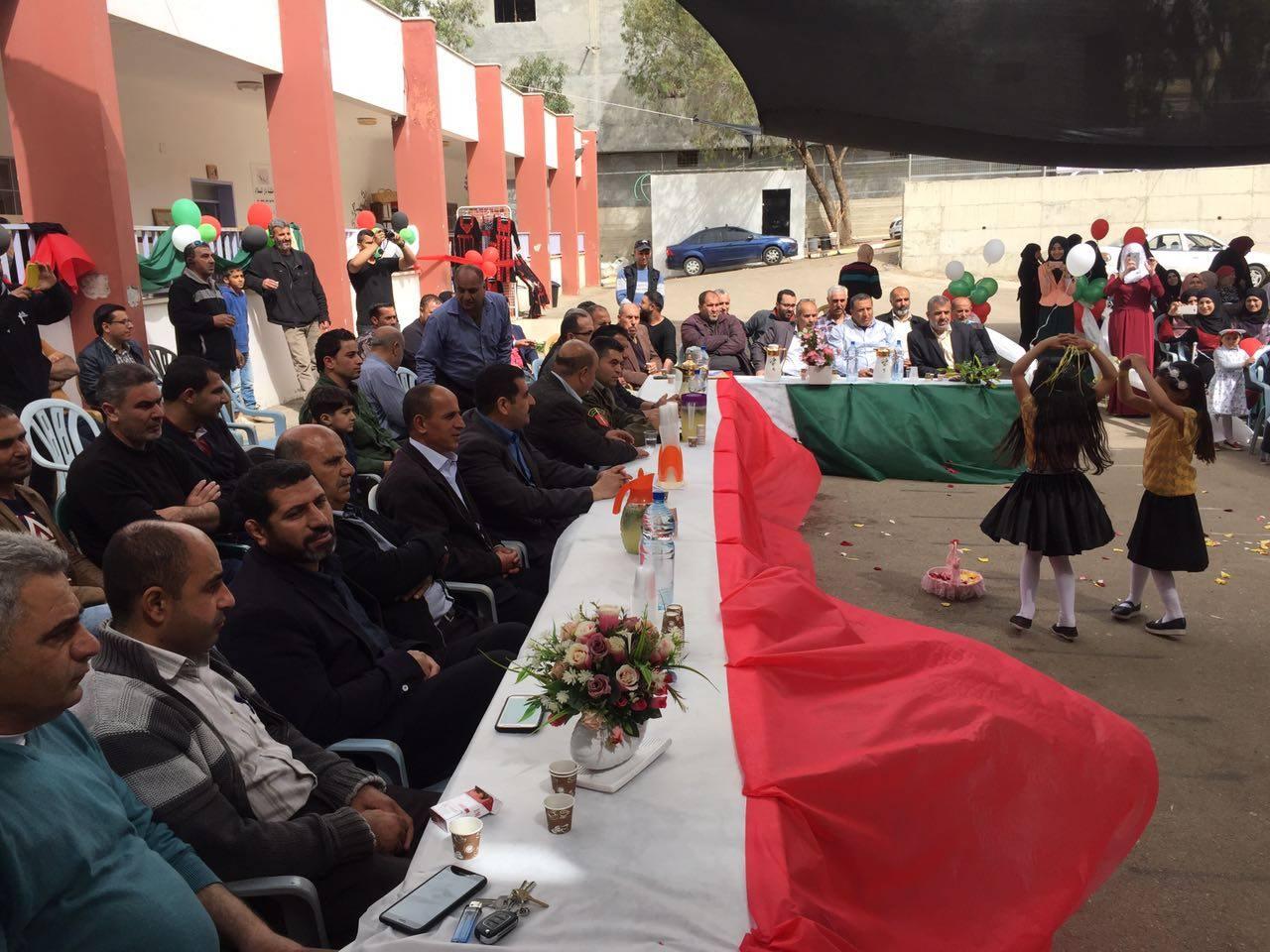 بالتعاون مع بلدية برطعة مدرسة بنات برطعة الاساسية تفتتح بازار نعم للمنتج الوطني باليوم المفتوح.