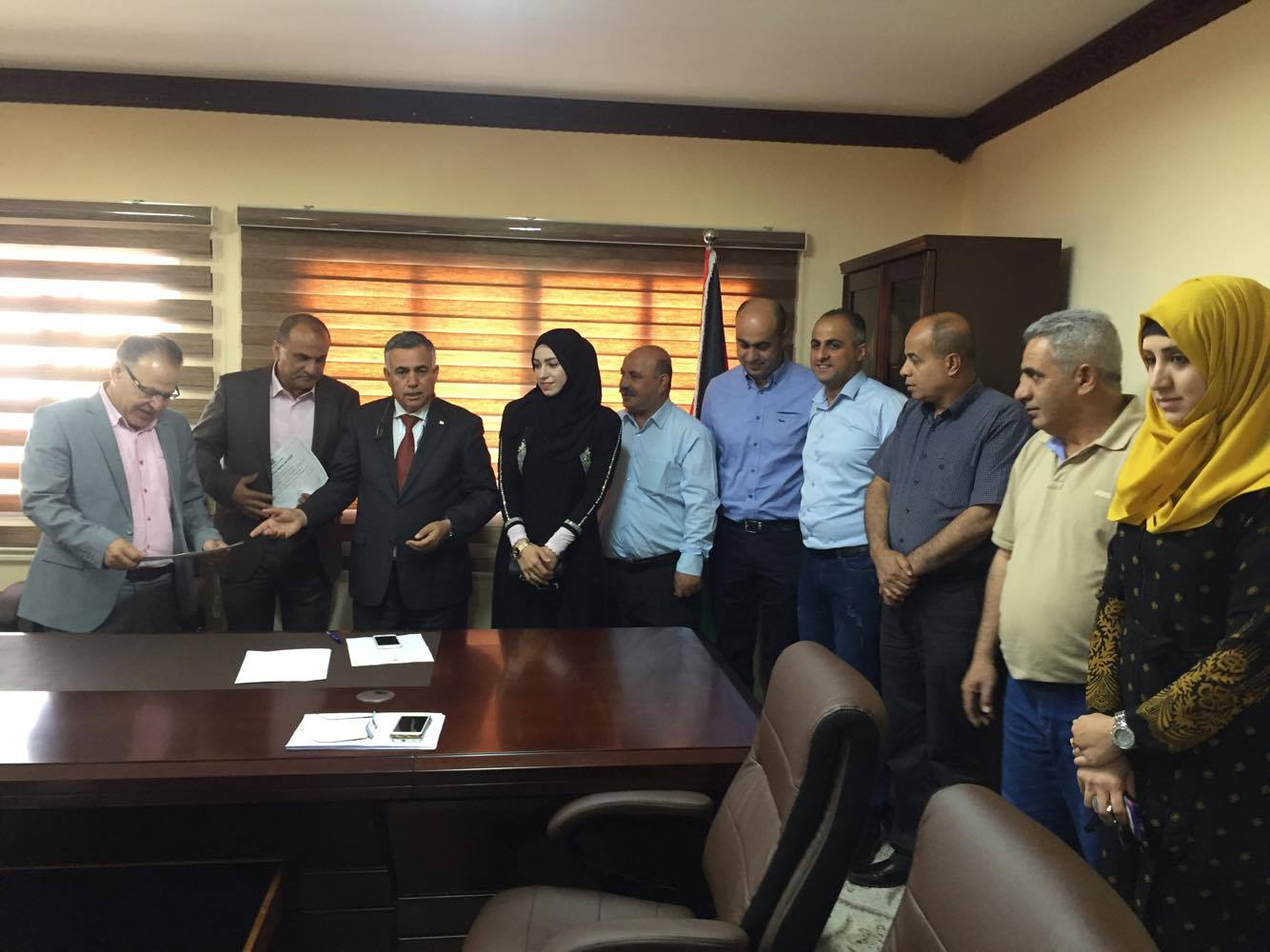 اتمام اجراءات استلام وتسليم بلدية برطعة بحضور وزير الحكم المحلي الفلسطيني الدكتور حسين الاعرج .